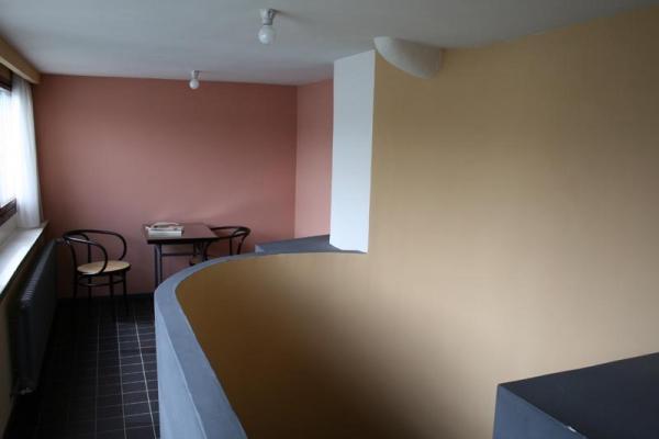 le-corbusier08A85CEBB2-8379-184D-AA89-92E8E3CA3C15.jpg